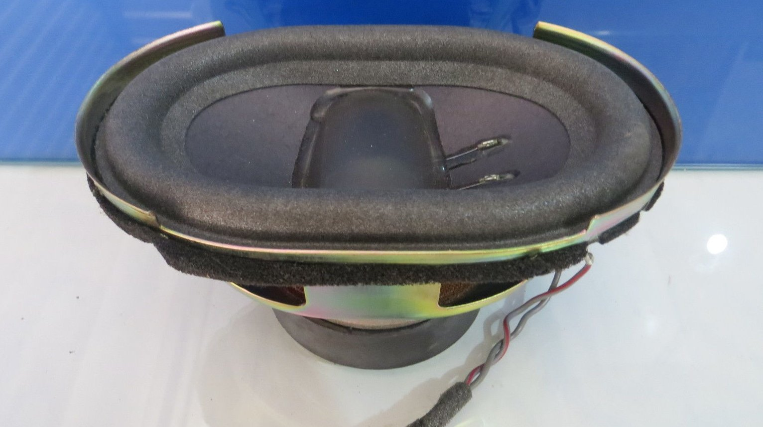 Bose-Mercedes-R230-SL-Subwoofer-Speaker-1.jpg